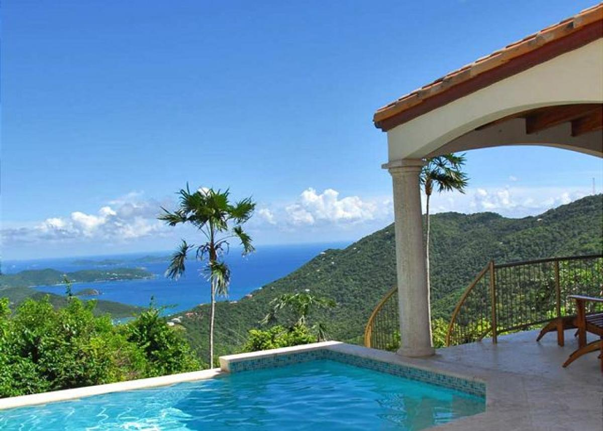 View to the ocean from the pool at Coral Oasis villa!
