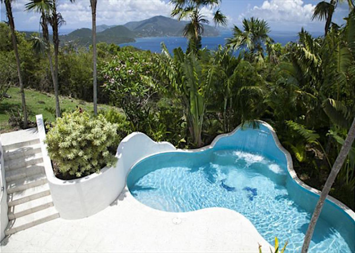 Pool and ocean views from Luminaria villa!