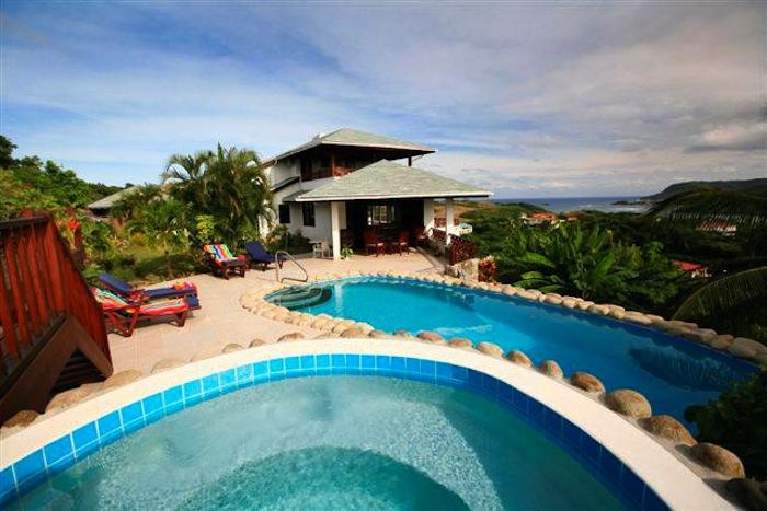 The pool and ocean views from Cadasse villa!