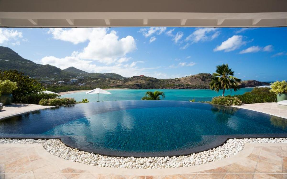 Amazing pool and views of  Petit Cul de Sacfrom Papaye Villa