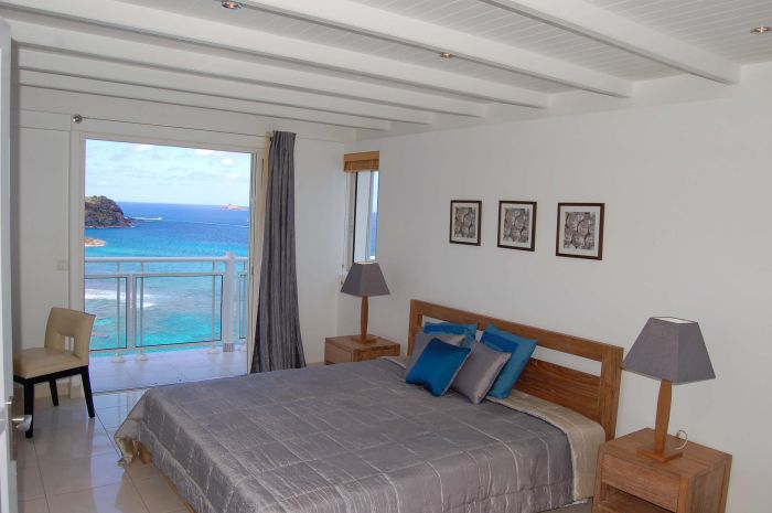 Bedroom 4 with ocean views.