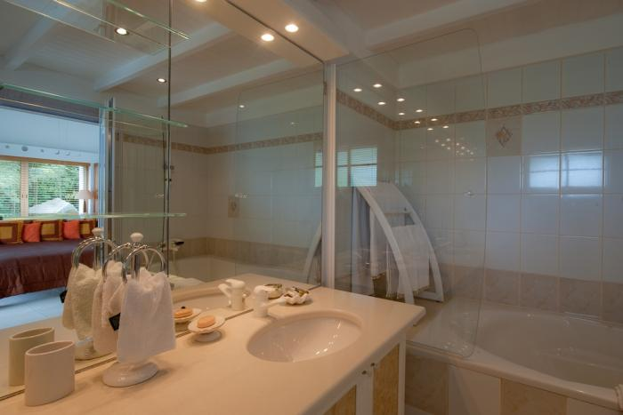 Master bath at Ushuaia villa