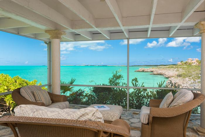 Additional screened porch overlooking the sea!