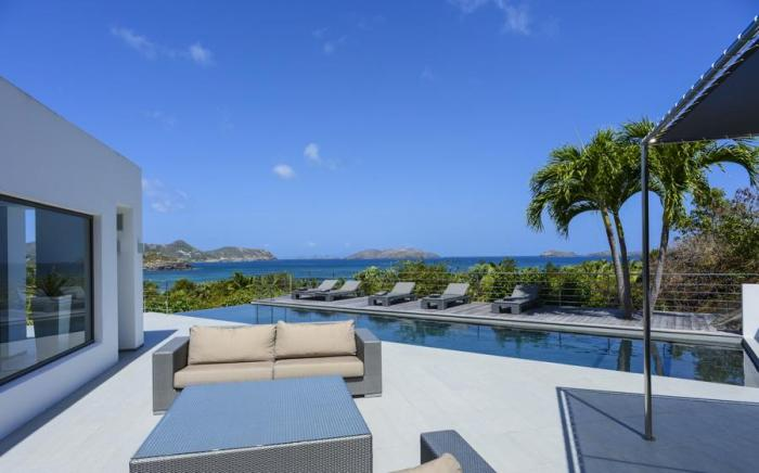 Unforgettable ocean and island views from Avenstar Villa.