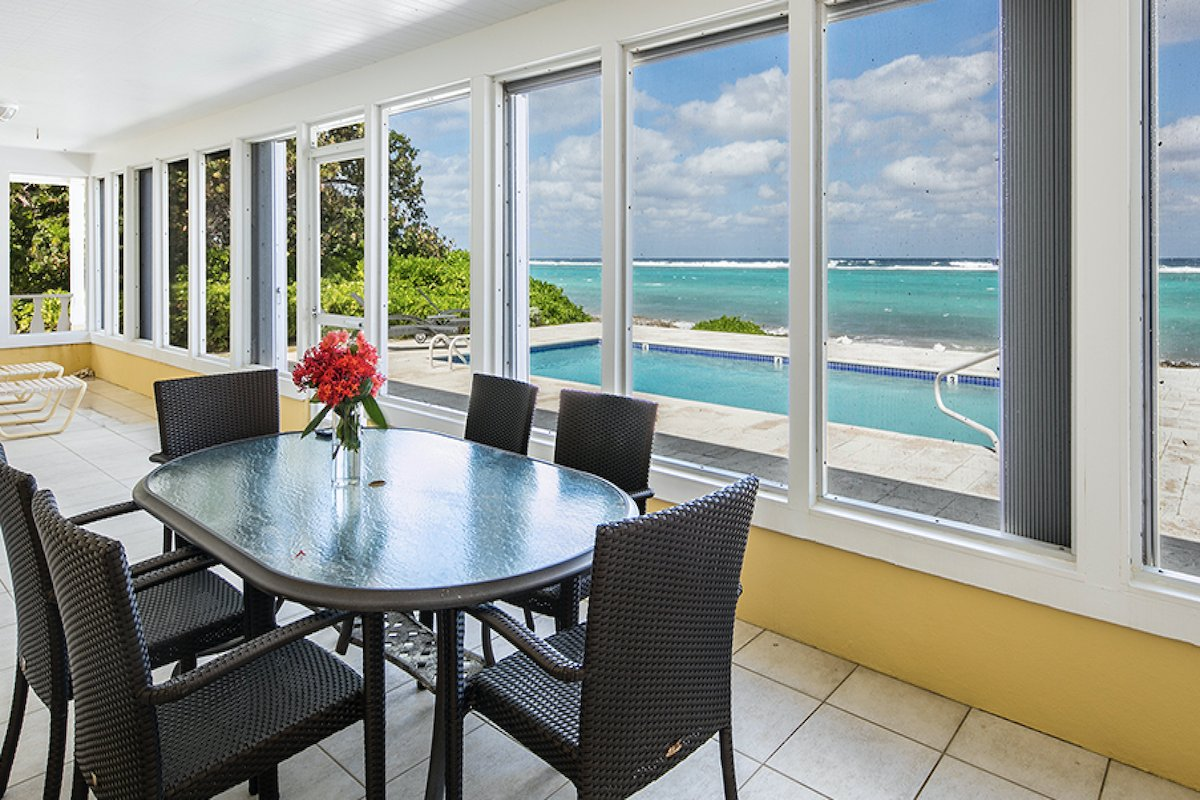 Dining with views of the caribbean