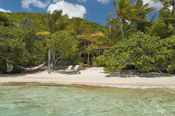St. John Beach House sits directly on Peter Bay Beach!