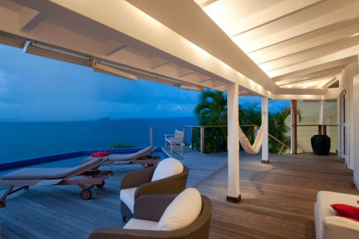 Deck with views of the ocean.