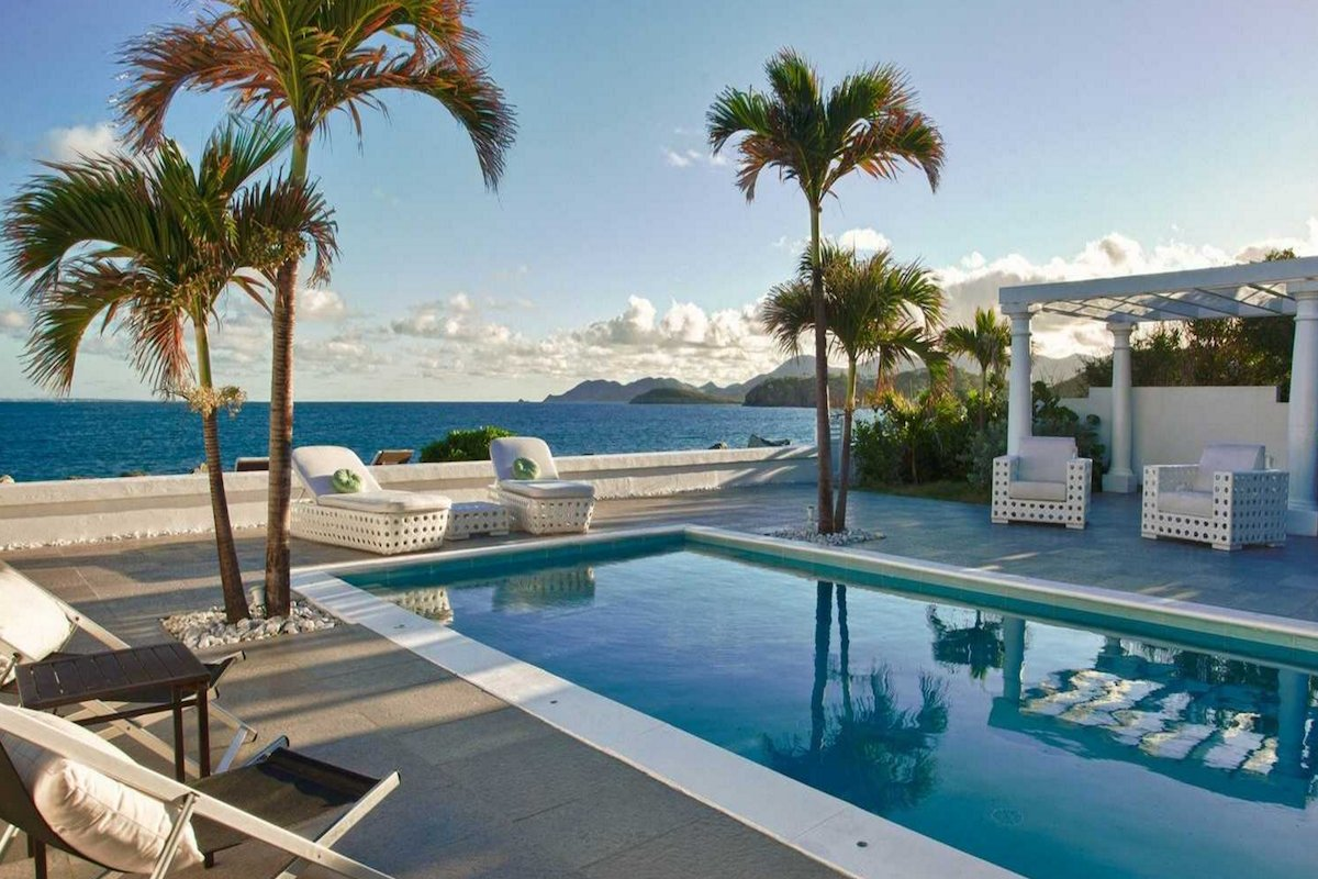 Enjoy your own pool right along the beachfront at La Perla Bianca