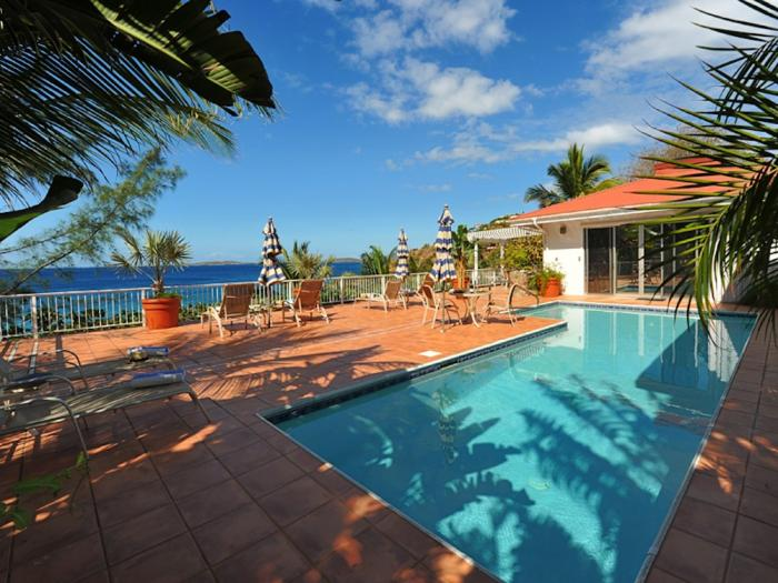 Pool and ocean views at Vida de Mar.