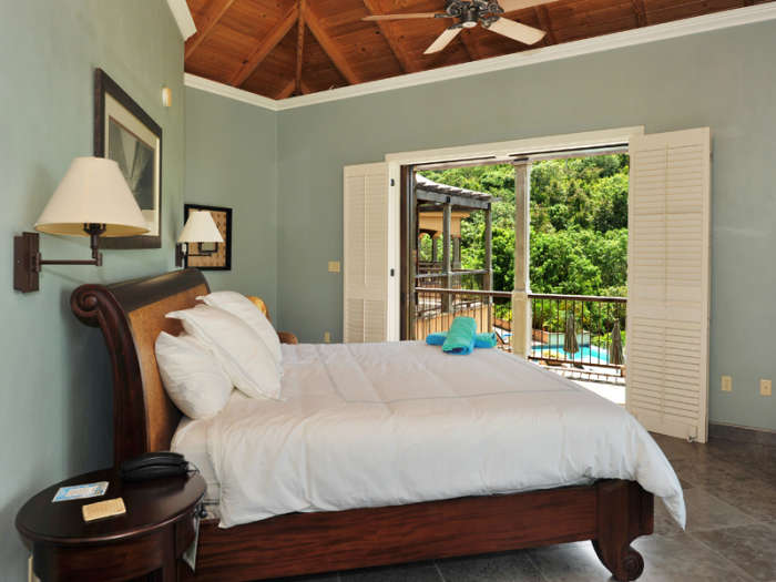 Bedroom 2 - balcony with pool view