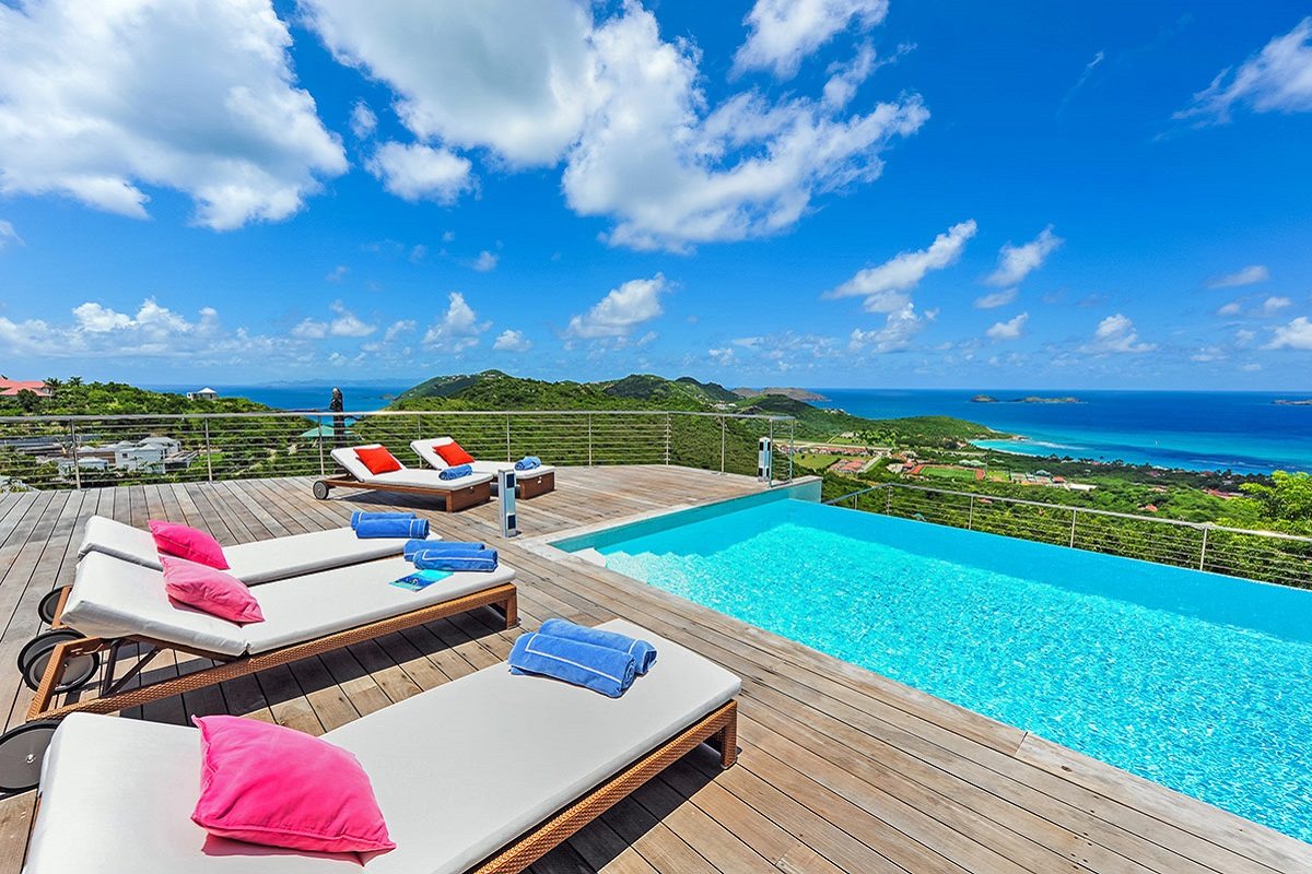 From the pool deck at Globe Trotter Villa you will enjoy beautiful views of the Caribbean