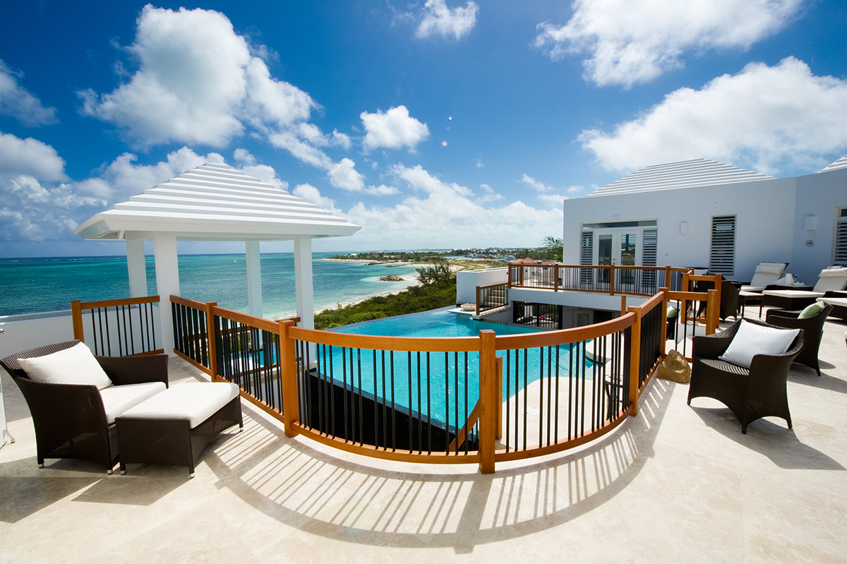 Breathtaking caribbean views from the pool deck at Mothershouse