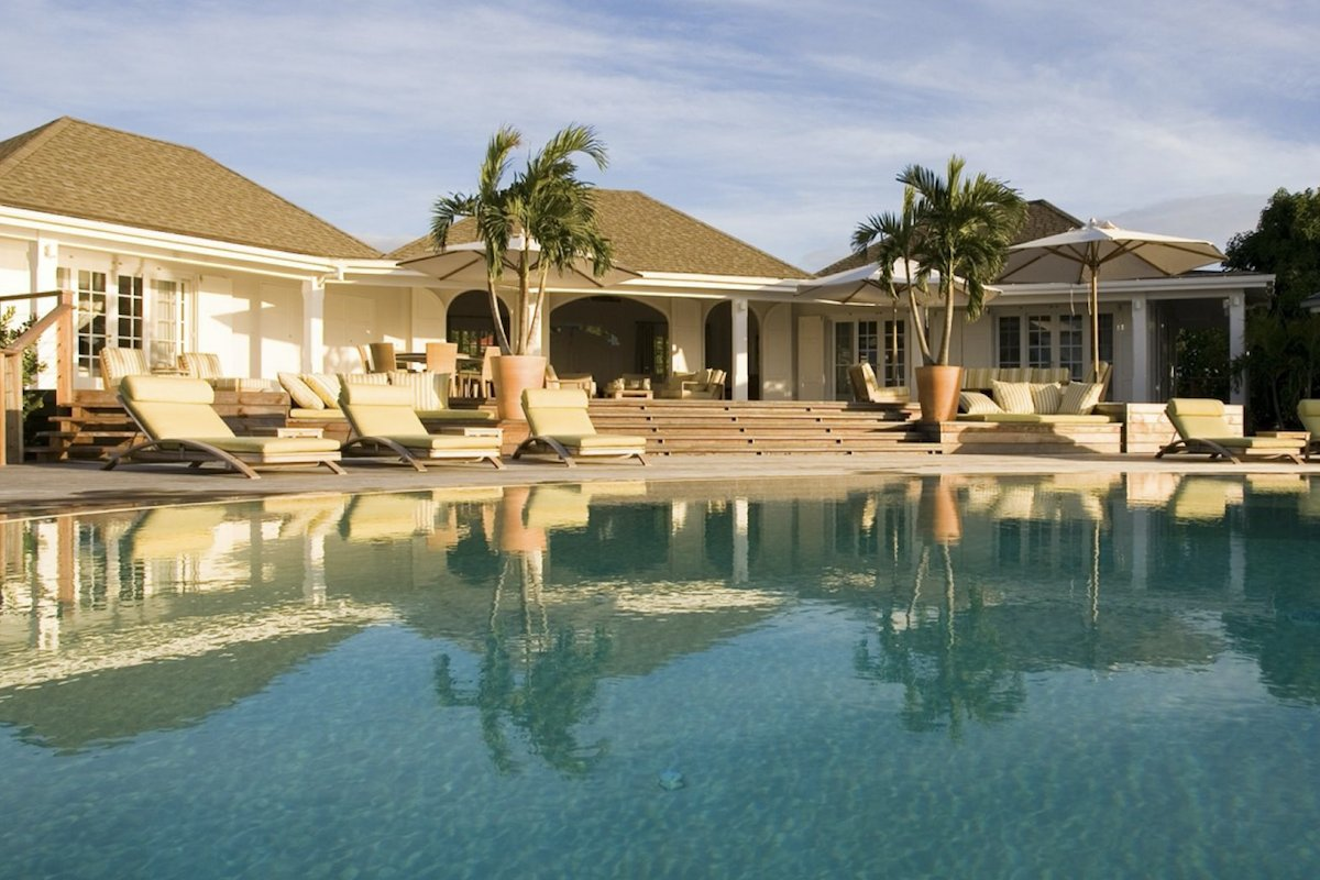 Venusville villa has a beautifully luxurious resort like pool and deck area