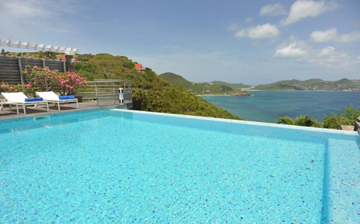 Views of Anse de Lorient right from the infinity edge pool