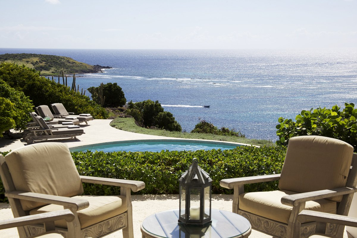Stunning outdoor areas with views to the caribbean at Les Amis Du Vent