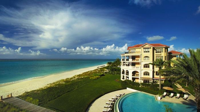 Welcome home to Somerset on Grace Bay!