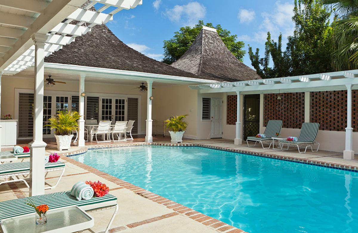 Luxurious pool and upscale amenities at Linger Longer villa