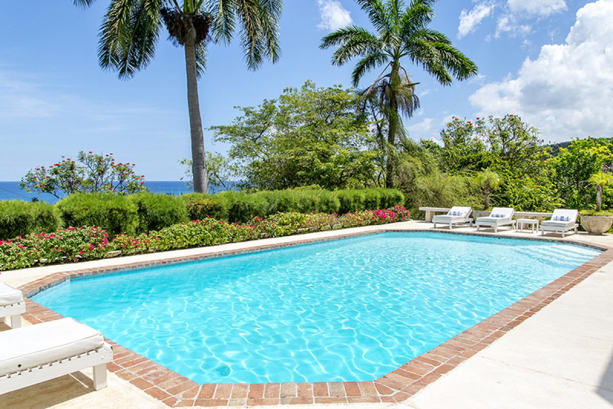 Eve Song, Jamaica villa