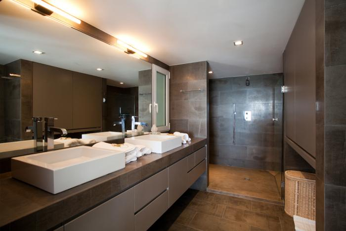 Ensuite bathroom with walk-in shower.