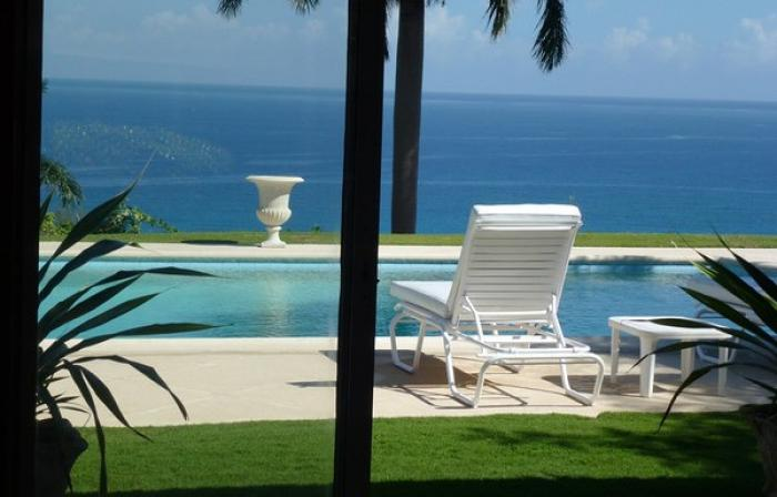 Pool to ocean views at Folly Villa!