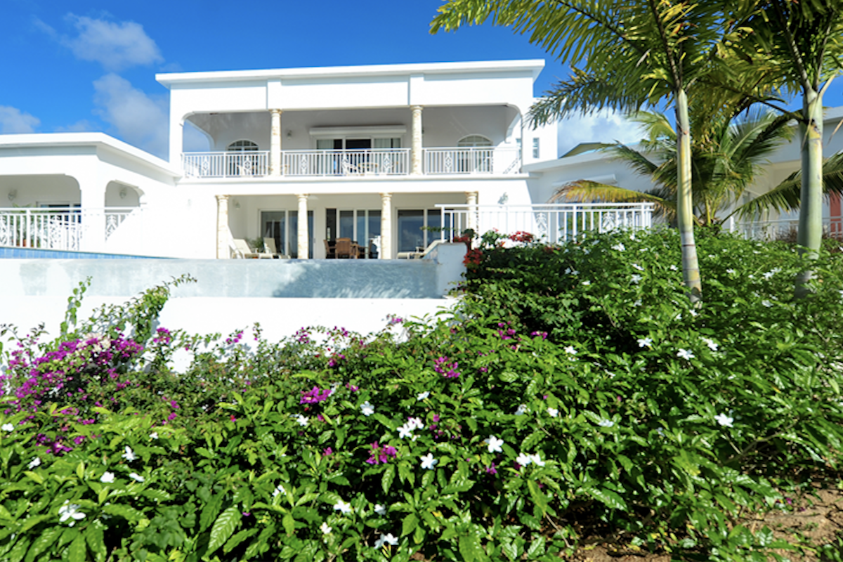 Exterior view of Ocassa Villa and property.