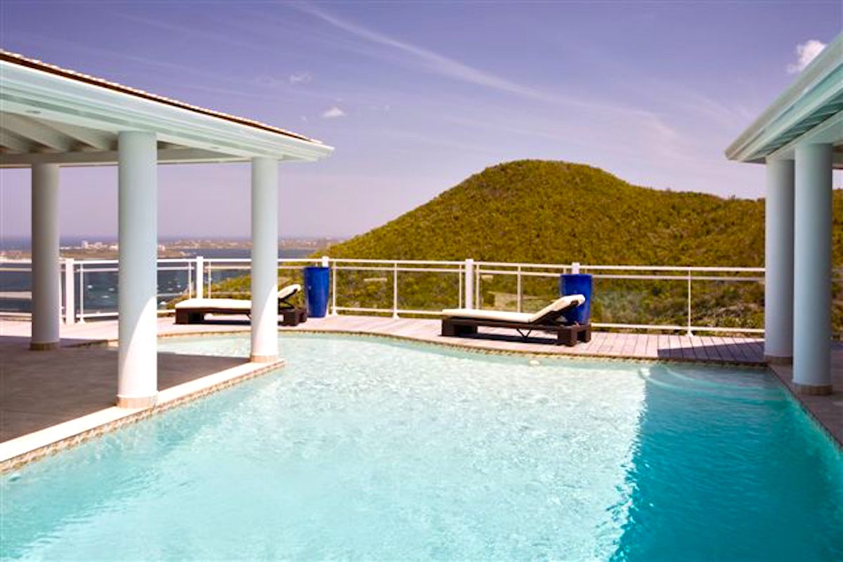 Offering amazing views from the pool at Horizon villa