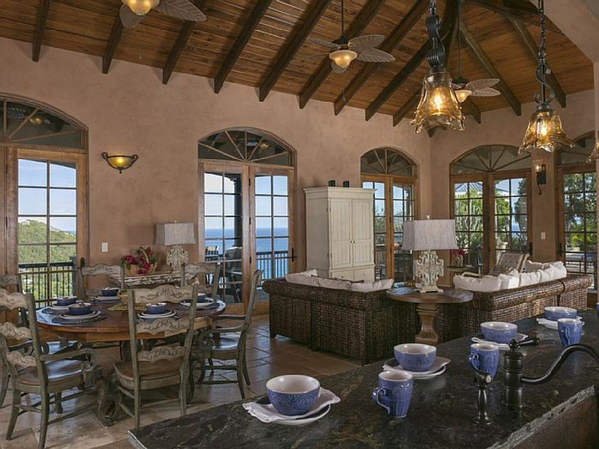 Mediterranean/Tuscan/Caribbean decor sets the mood for the perfect getaway