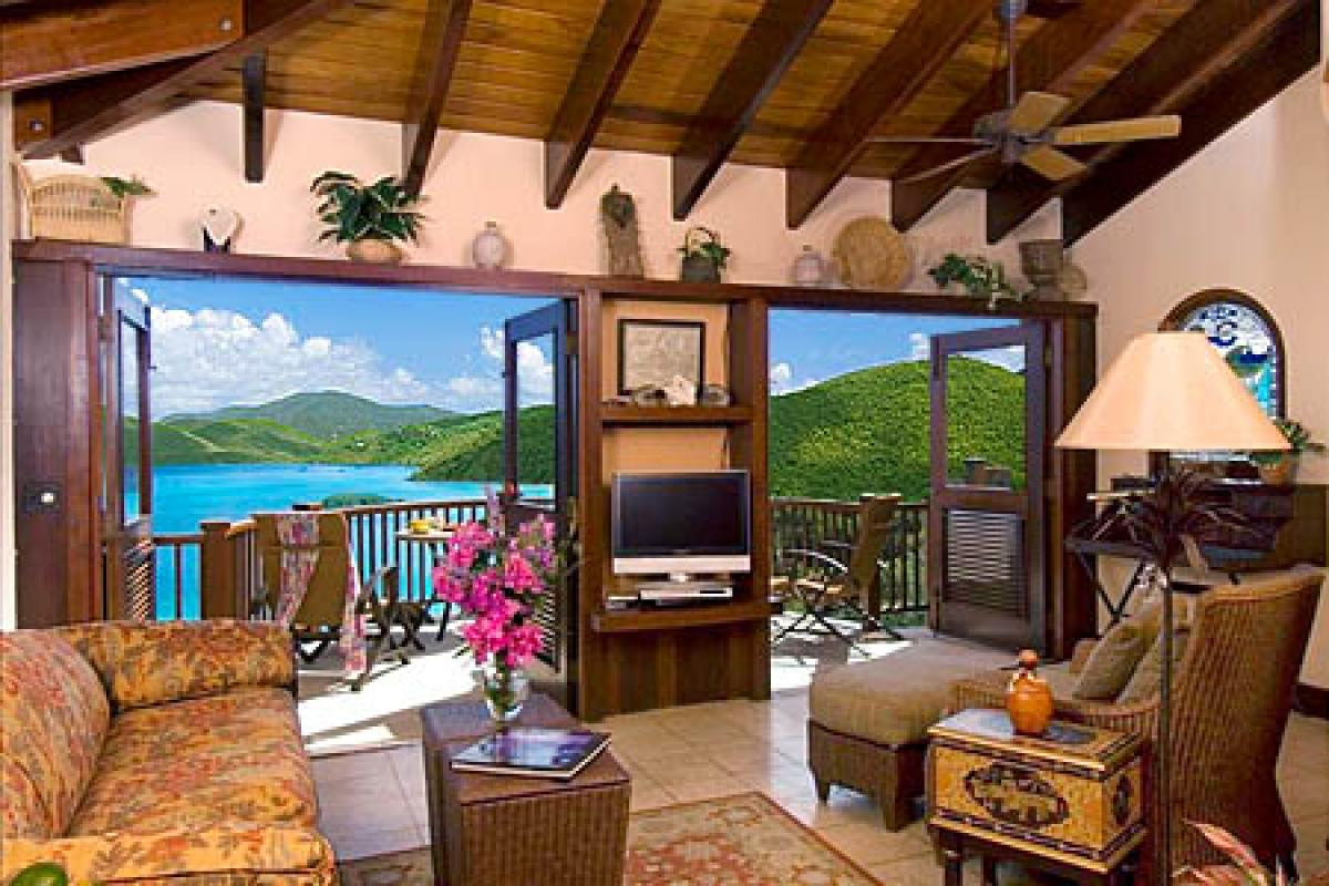 Penthouse Suite Surrounded by the Caribbean
